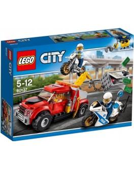 Конструктор LEGO City Побег на буксировщике (60137) - bvl 60137