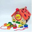 Дерев'яний будиночок - сортер, шнурівка, рахівниця, годинник (MD 1087) - mpl MD 1087