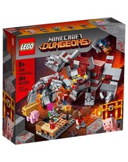 Конструктор LEGO Minecraft Бій за червонокамінь (21163)