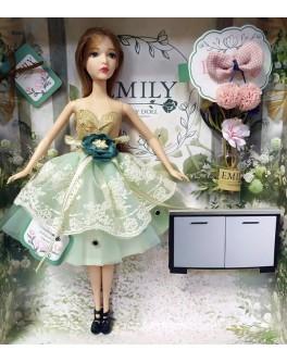 Лялька шарнірна Emily шатенка в зеленій сукні з аксесуарами 30 см (QJ 088 D)